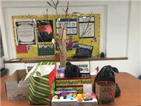The Season of Giving at Forest Road School Photo thumbnail105835