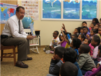 Mayor_Ed_Fare__reads_to_students(2).jpg thumbnail139326
