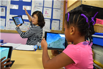 Students Transform into Animal Experts with Google Expeditions Photo 4